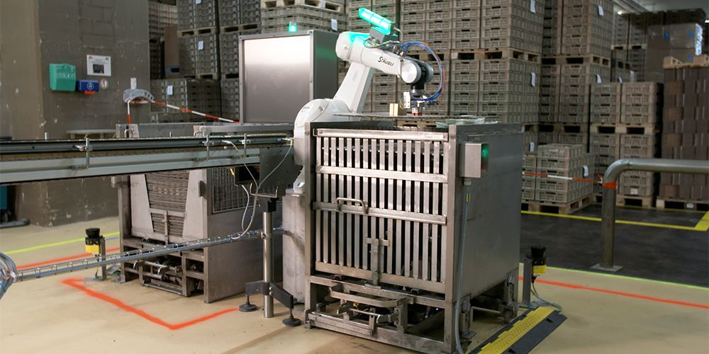 Stäubli industrial robot in food application at Migros Group